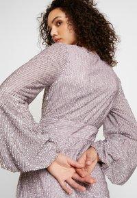 Missguided - EMBELLISHED WRAP TIE DETAIL BLOUSON SLEEVE MINI DRESS - Vestito elegante - lilac - 4