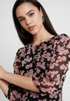 Missguided - FLORAL RUCHED DETAIL MIDAXI DRESS - Freizeitkleid - black