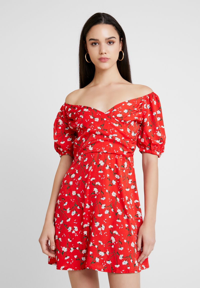 Missguided - MILKMAID WRAP FRONT SKATER DRESS FLORAL - Vestito estivo - red