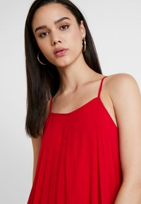 Missguided - STRAPPY PLEATED DRESS - Maxikjoler - red - 4