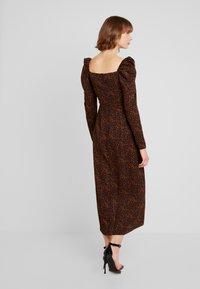 Missguided - LEOPARD PRINT SQUARE NECK SLIT FRONT DRESS - Vestido informal - black - 3