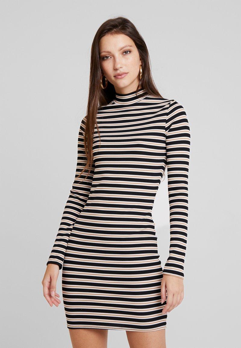 Missguided - STRIPED LONG SLEEVED MINI DRESS - Vestido de tubo - black