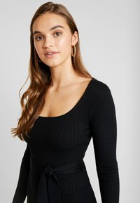 Missguided - WAIST MIDI DRESS - Vestido de tubo - black - 3