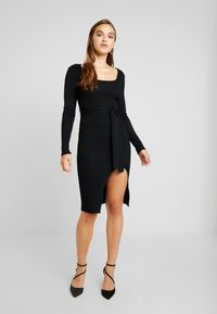 Missguided - WAIST MIDI DRESS - Vestido de tubo - black - 0