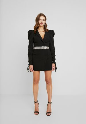 CUFF EMBELLISHED BUCKLE BELT BLAZER DRESS - Denní šaty - black