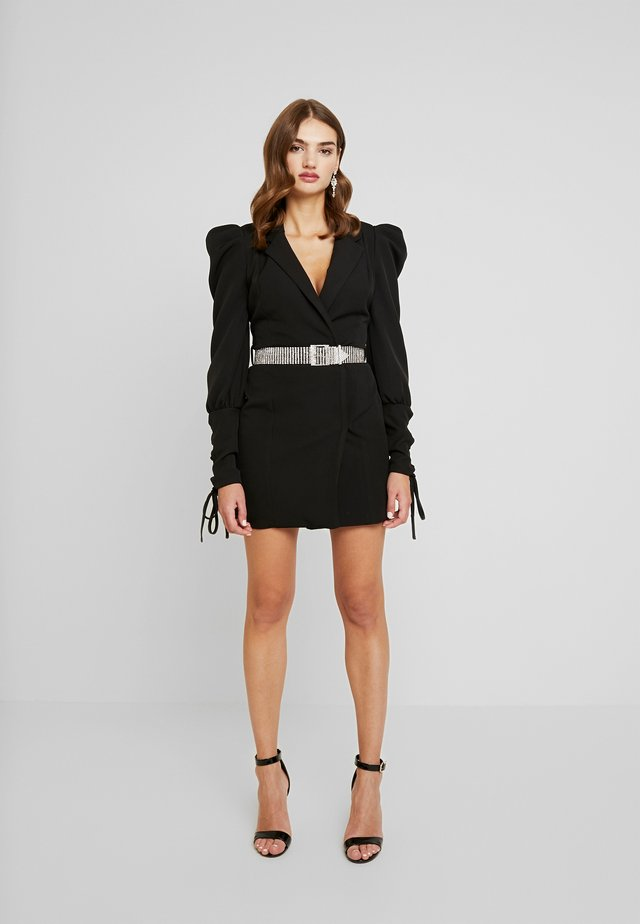 CUFF EMBELLISHED BUCKLE BELT BLAZER DRESS - Vestito estivo - black