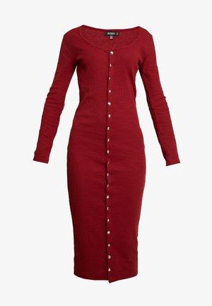 LONG SLEEVE POPPER MIDI DRESS - Pouzdrové šaty - burgundy