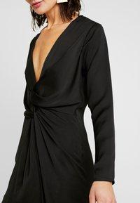Missguided - LONG SLEEVE TWIST WRAP DRESS - Vestido largo - black - 4