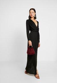 Missguided - LONG SLEEVE TWIST WRAP DRESS - Vestido largo - black - 2
