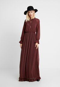 Missguided - FLORAL FRILL LONG SLEEVED DRESS - Vestido largo - red - 2
