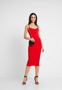 Missguided - CROSS FRONT BANDAGE CAMI DRESS - Pouzdrové šaty - red - 2