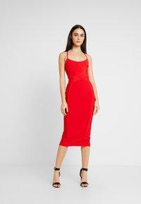 Missguided - CROSS FRONT BANDAGE CAMI DRESS - Pouzdrové šaty - red - 0