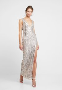 Missguided - PLUNGE EMBELISHED SPLIT LEG MAXI DRESS - Occasion wear - silver - 2