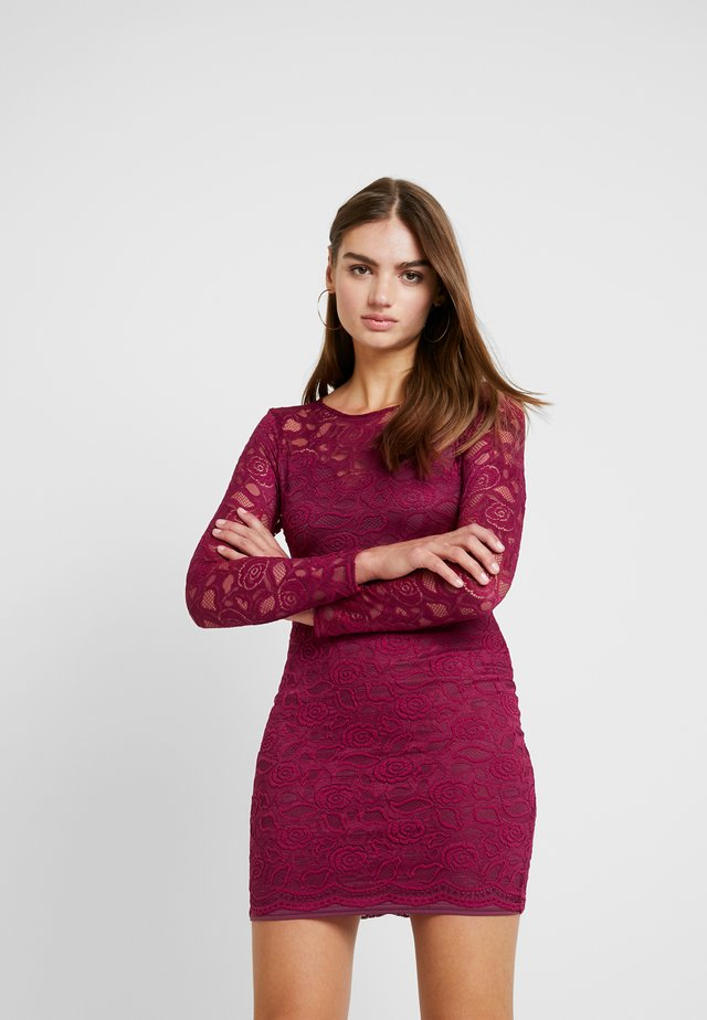 FRIDAY OPEN BACK LONG SLEEVED BODYCON MINI DRESS - Cocktail dress / Party dress - burgundy