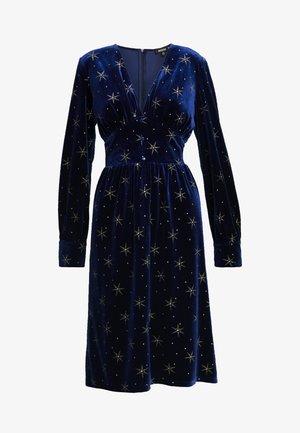 LIGHT MAGIC GLITTER BUTTON FRONT MIDI DRESS - Denní šaty - blue