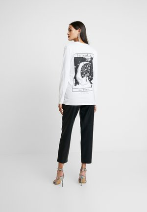 LIGHT MAGIC SURREALIST LUNA BACK PRINT LONG SLEEVED - Long sleeved top - white