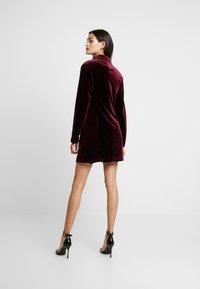 Missguided - LIGHT MAGIC BUTTON BLAZER DRESS - Kjole - burgundy - 2