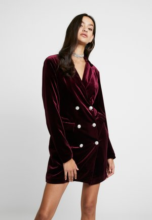 LIGHT MAGIC BUTTON BLAZER DRESS - Denní šaty - burgundy
