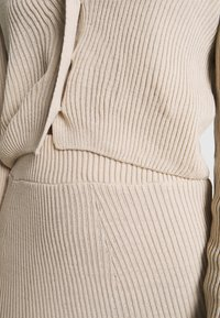 Missguided - CROPPED AND RIBBED KNITTED MIDAXI SKIRT - Cardigan - camel - 7