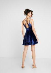Missguided - STRAPPY CROSS BACK MINI DRESS - Robe de soirée - navy - 3