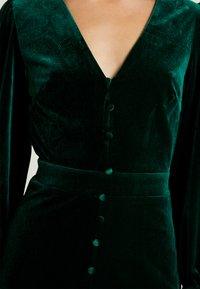 Missguided - BUTTON UP HIGH LOW DRESS - Hverdagskjoler - emerald - 5