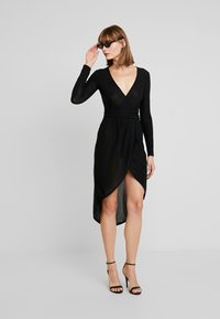 Missguided - SLINKY PLUNGE WRAP BELT DETAIL MIDI DRESS - Jerseyjurk - black - 1