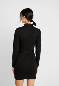 Missguided - POLO ZIP FRONT MINI DRESS - Vestido de tubo - black - 3