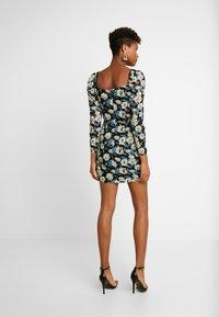 Missguided - FLORAL SQUARE NECK PUFF SLEEVE MINI - Robe d'été - black - 3