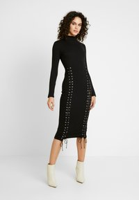 Missguided - HIGH NECK EYELET MIDAXI DRESS - Pouzdrové šaty - black - 2