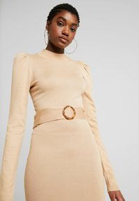 Missguided - PUFF SLEEVE BELTED MIDAXI DRESS - Jumper dress - nude - 3