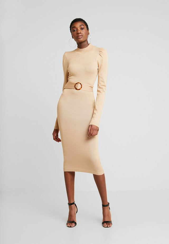 PUFF SLEEVE BELTED MIDAXI DRESS - Strickkleid - nude