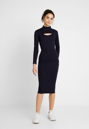 EXTREME CROP HIGH NECK LONG SLEEVE & RIBBED MIDI DRESS - Vestido de tubo - navy