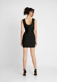 Missguided - PLUNGE BANDAGE PANELLED BODYCON DRESS - Sukienka letnia - black - 3