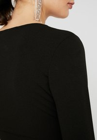 Missguided - PANELLED SQUARE NECK BODYCON DRESS - Day dress - black - 6