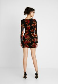 Missguided - LONG SLEEVE CORSET SEAM FLORAL PRINT DRESS - Robe fourreau - multi - 3