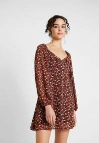 Missguided - MILKMAID DRESS FLORAL - Kjole - red - 0