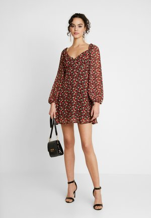MILKMAID DRESS FLORAL - Day dress - red