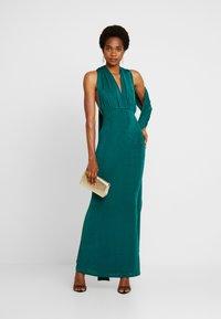 Missguided - SLINKY MULTIWAY DRESS - Společenské šaty - green teal - 2
