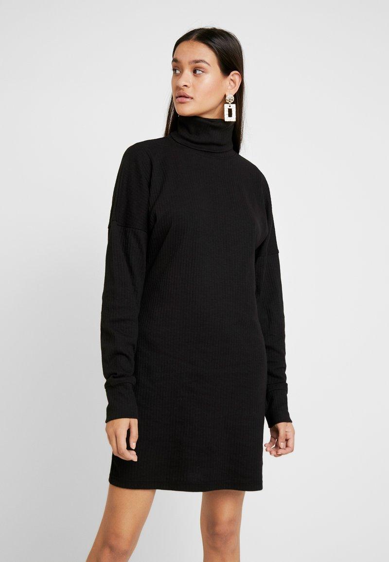 Missguided - OVERSIZED ROLL NECK DRESS - Jumper dress - black