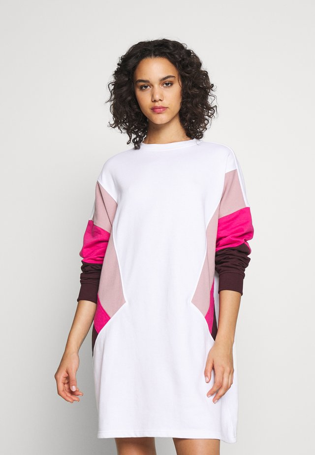 OVERSIZED SWEATER DRESS BLOCK - Day dress - pink