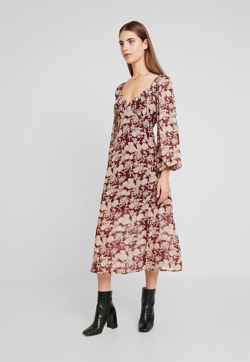 Missguided - MILKMAID MIDAXI DRESS - Robe longue - burgundy
