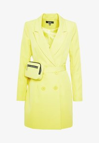 Missguided - CODE CREATE BLAZER DRESS AND BUMBAG - Denní šaty - yellow - 6