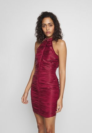 RUCHED HALTER BODYCON MINI DRESS - Koktejlové šaty / šaty na párty - red