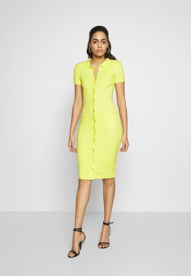 COLLAR PLUNGE BUTTON UP DRESS - Fodralklänning - yellow