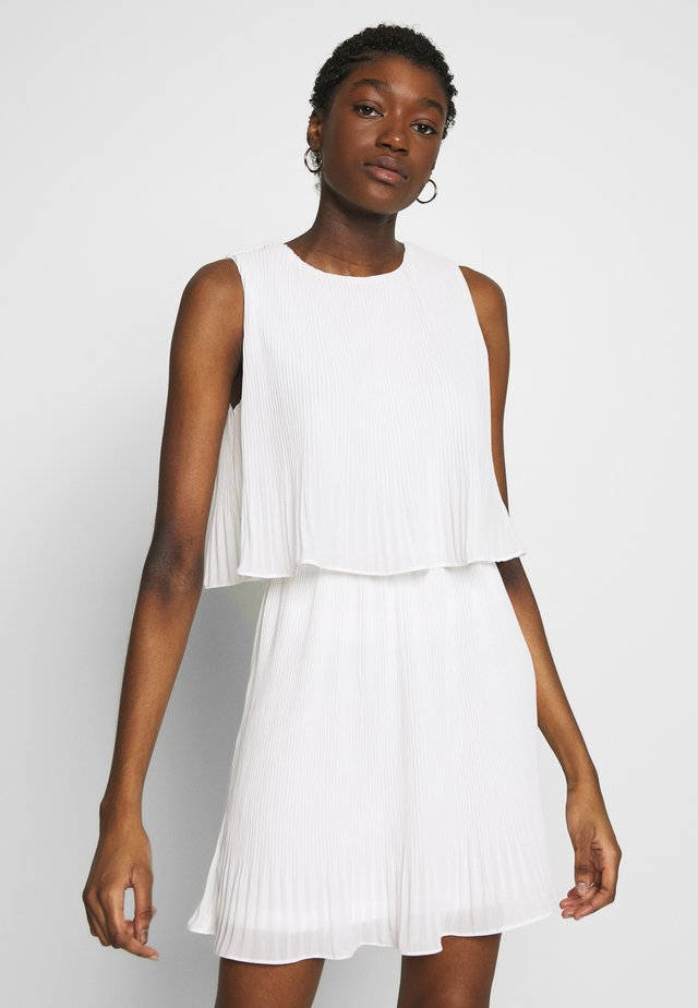 PLEATED SLEEVELESS SMOCK DRESS - Vardagsklänning - white