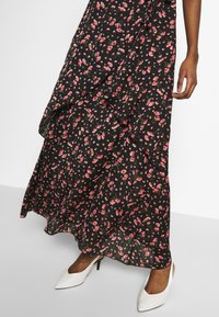 Missguided - FLORAL PLUNGE WRAP RUFFLE HIGH LOW DRESS - Robe longue - black - 3