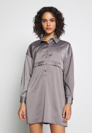 PREMIUM DRESS - Blousejurk - grey