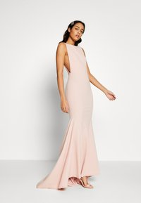 Missguided - BRIDESMAID SLEEVELESS LOW BACK DRESS - Robe de cocktail - pink - 1
