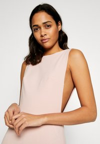 Missguided - BRIDESMAID SLEEVELESS LOW BACK DRESS - Robe de cocktail - pink - 4