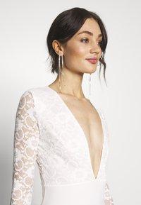 Missguided - BRIDAL PLUNGE LONG SLEEVED MAXI DRESS - Festklänning - ivory - 3
